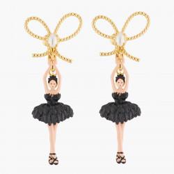Boucles D'oreilles Clip Boucles D'oreilles Clip Ballerine Noir Nœud Doré Tutu Plume90,00€ AKDD108C/2Les Néréides