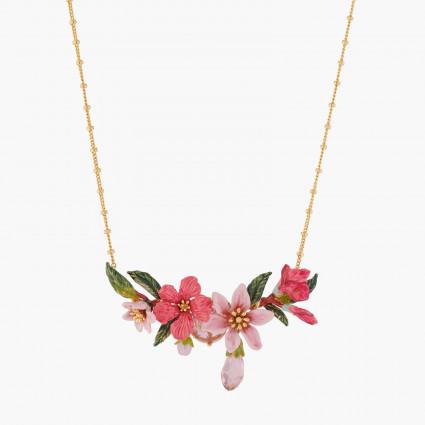 Colliers Plastrons Collier Plastron Fleurs Et Bouton De Lauriers Roses Et Rouges220,00€ ALPE302/1Les Néréides