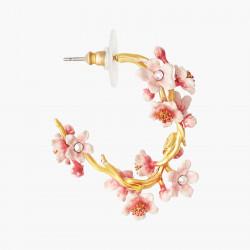 Boucles D'oreilles Creoles Boucles D'oreilles Créoles Ouvertes Tiges Fleurs De Cerisier Du Japon Et Branche Dorée220,00€ ANH...