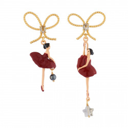 Red toe-dancing ballerinas...