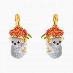 Créoles écureuil enneigé sur sa branche de baies et perles