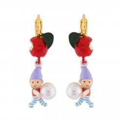 Boucles D'oreilles Originales Boucles d'oreilles dormeuses petite pomme, nain et perle50,00€ AHBN118D/1N2 by Les Néréides