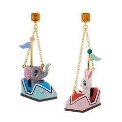 Boucles D'oreilles Boucles D'oreilles Petit Éléphant Et Lapin Tout Contents Dans Leurs Auto-tamponneuses